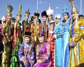 中国蒙古族服装服饰艺术节在阿拉善盛装开幕-中国 阿拉善图片