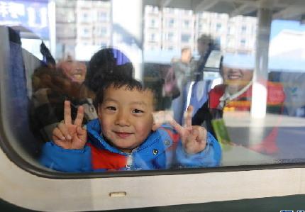 春運首日 呼和浩特火車站多項舉措溫暖回家路