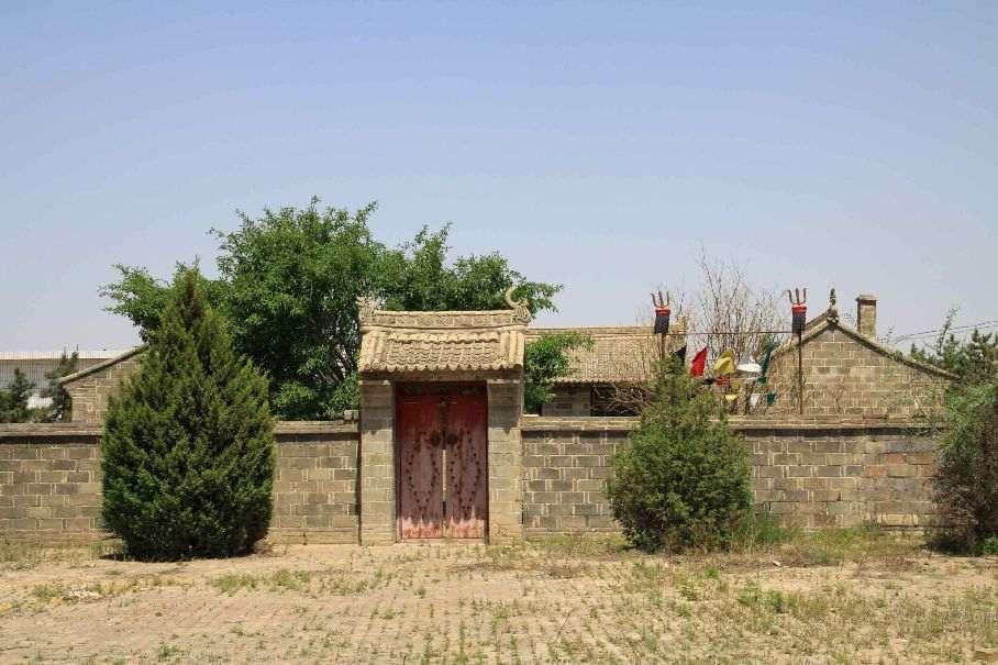 席尼喇嘛故居及陵園