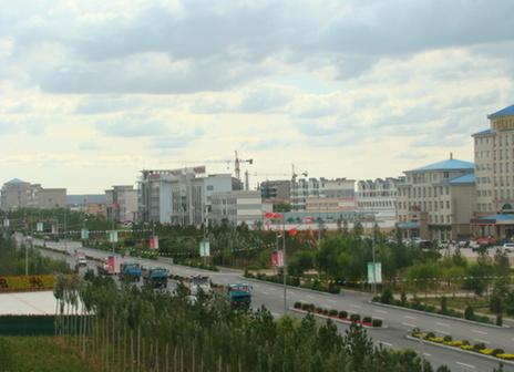 烏審旗嘎魯圖鎮人民路街景