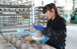 鄂爾多斯國禮陶瓷有限公司積極籌備蒙元文化特色陶瓷産品