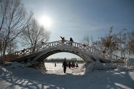 呼和浩特舉辦第二屆南湖濕地冰雪節