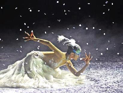 楊麗萍主演舞劇《孔雀之冬》