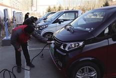 记者带您看看呼和浩特首家电动汽车充电站