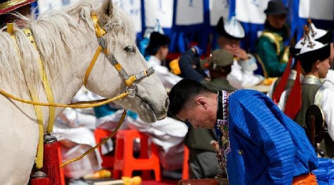 内蒙古成吉思汗陵举行春季大祭