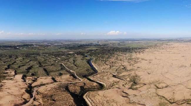 航拍庫布其沙漠:越過沙丘,有綠洲在等候……