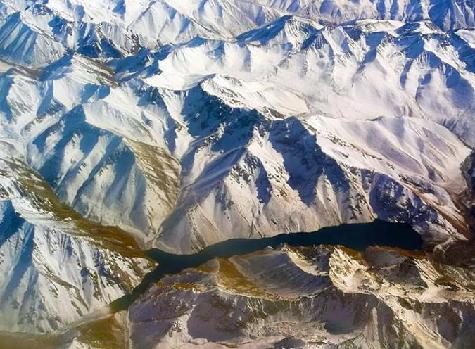 航拍新疆天山