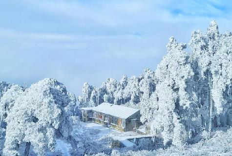 雪霽廬山成童話世界