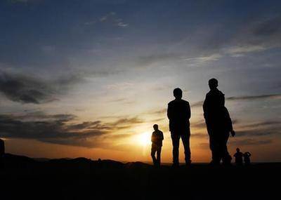 大漠落日映陽關