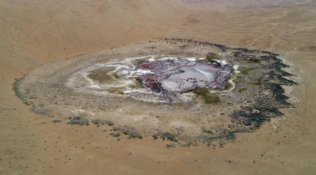大漠腹地 斑斕世界