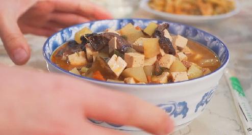 賀蘑臊子面:家鄉的記憶 媽媽的味道