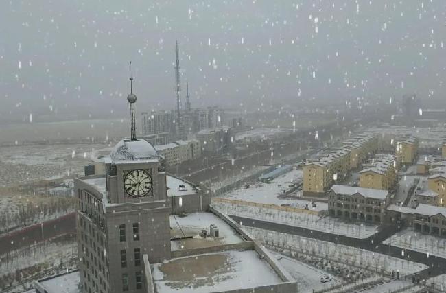 二連浩特降初雪