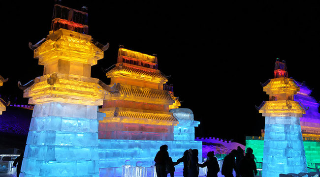 包頭首屆冰雪文化旅遊季節開幕