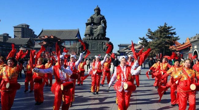 塞外青城鬧新春