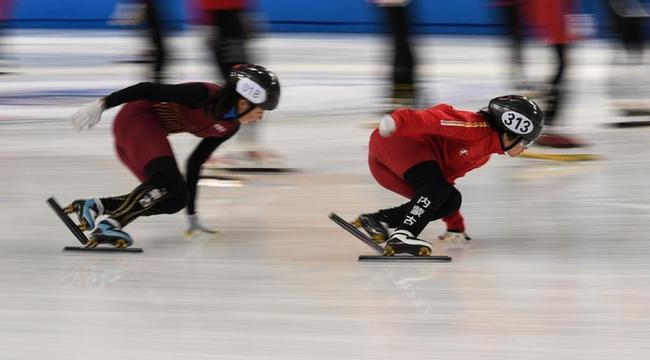 內蒙古:冰上運動訓練忙
