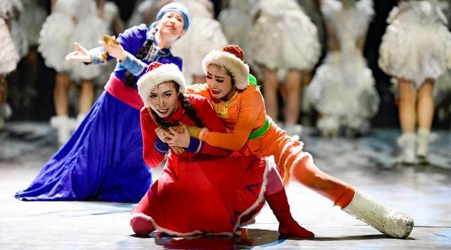 呼和浩特:風情舞蹈 炫彩校園