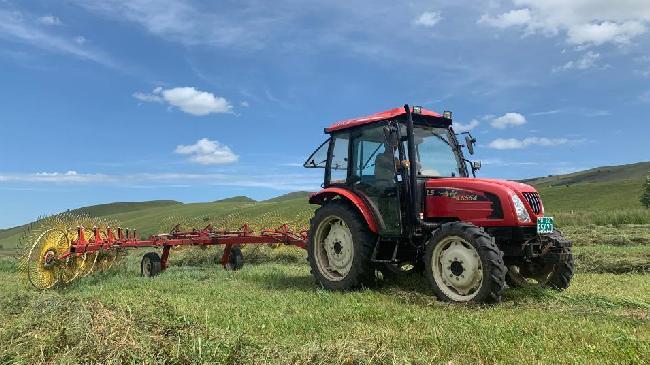 內蒙古興安盟:草原打草忙
