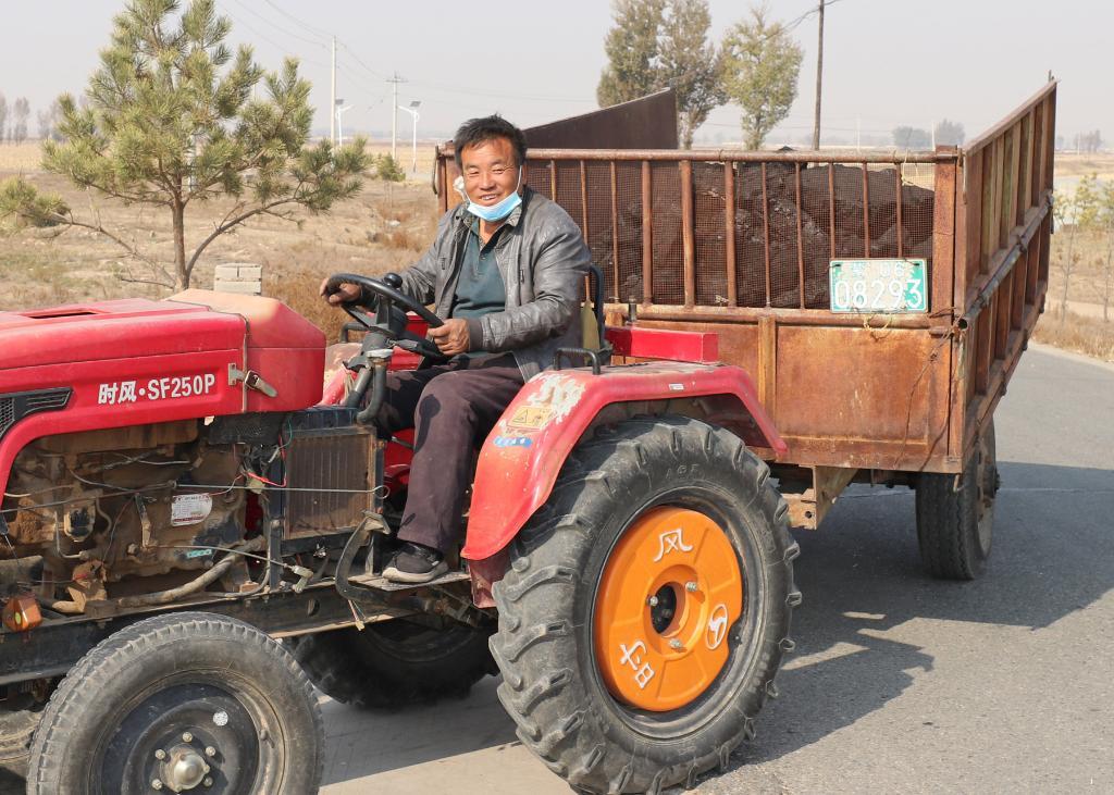 新華全媒+丨燒煤好比燒玉米 政府送來平價煤