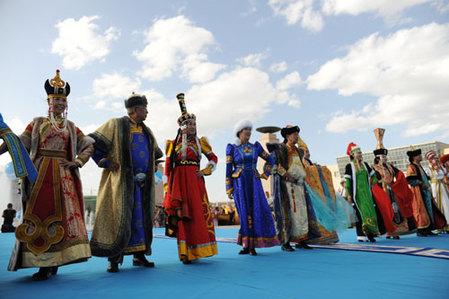 蒙古族服装图片